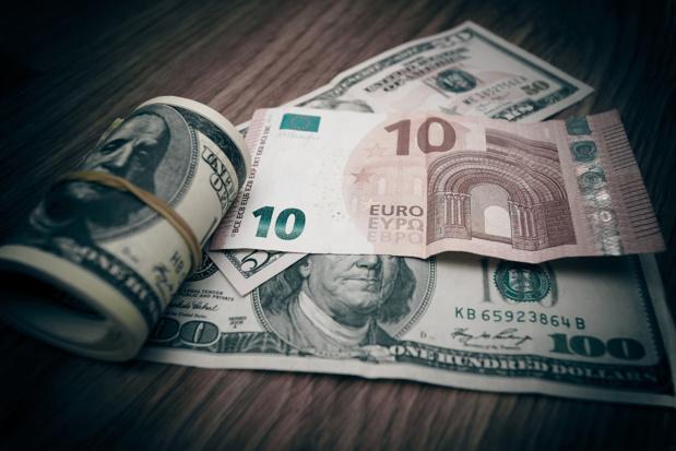 Crédit : euro/dollar par Shutterstock