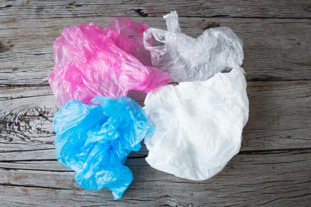 Crédit : sac plastique par Shutterstock
