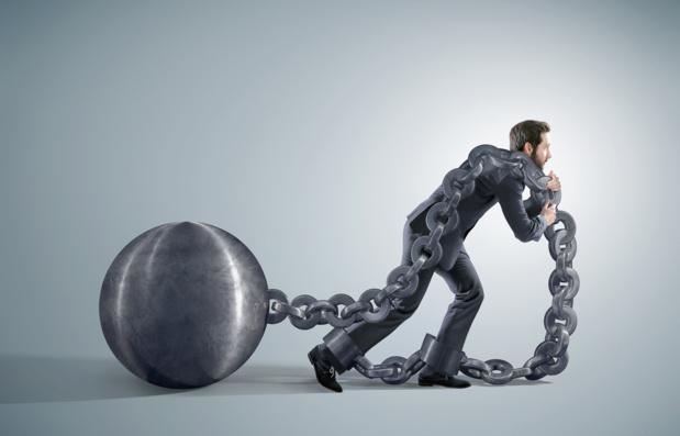 Crédit : fardeau de la dette par Shutterstock
