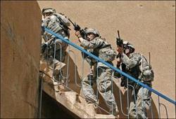 Etats-Unis : 900 milliards de dollars de dépenses militaires