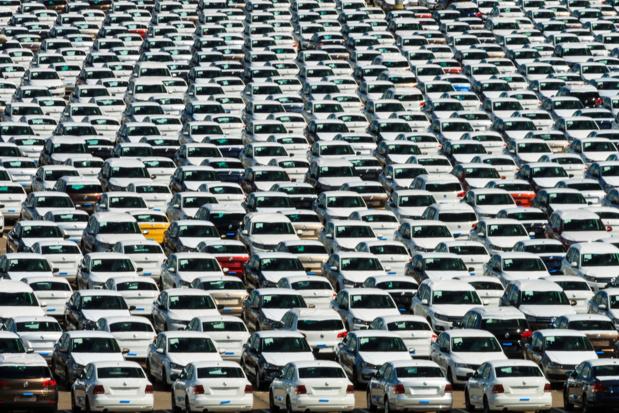 Le marché automobile passe la troisième