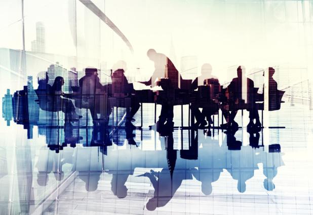 Crédit : réunion de travail par Shutterstock