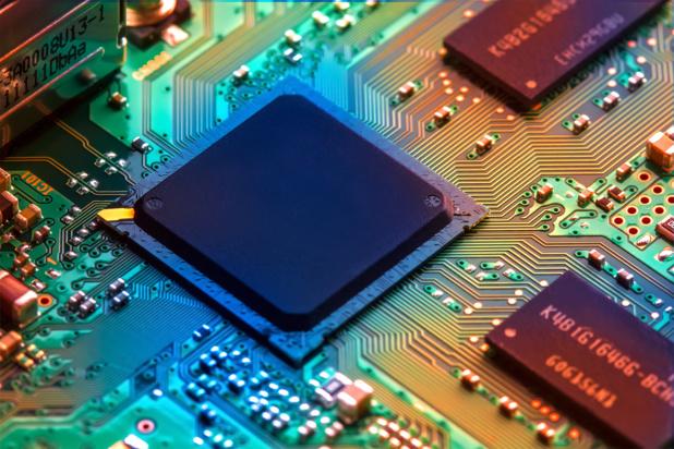 Crédit : matériel électronique par Shutterstock