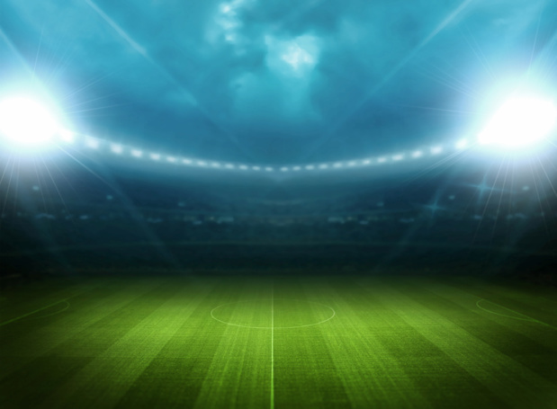 Crédit : football par Shutterstock