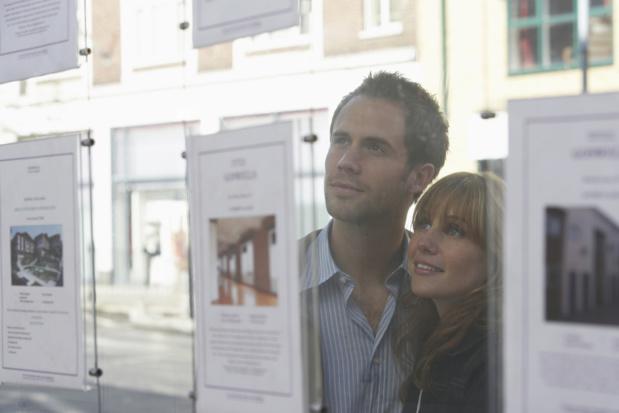 Crédit : vente immobilère par Shutterstock
