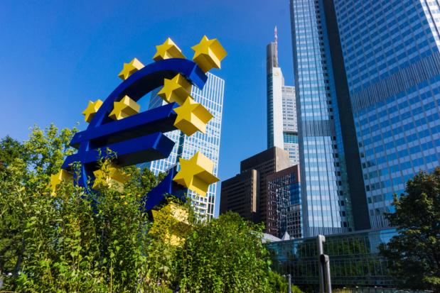 Crédit : banque centrale par Shutterstock