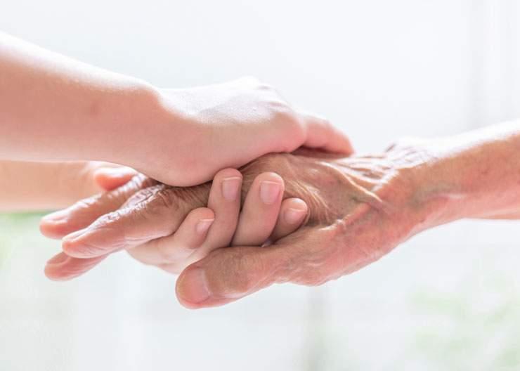 Seniors : le maintien à domicile est-il une bonne solution ?