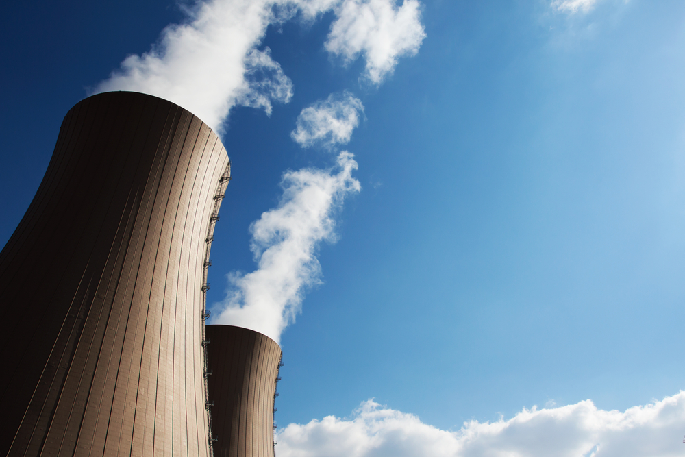 Crédit : centrale nucléaire par Shutterstock